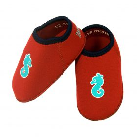 Water-shoes-badskor-red-1